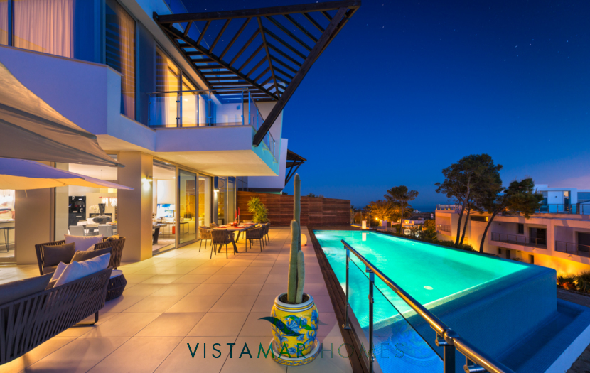 exterior view of Luxury Apartments for sale in Sierra Blanca Marbella