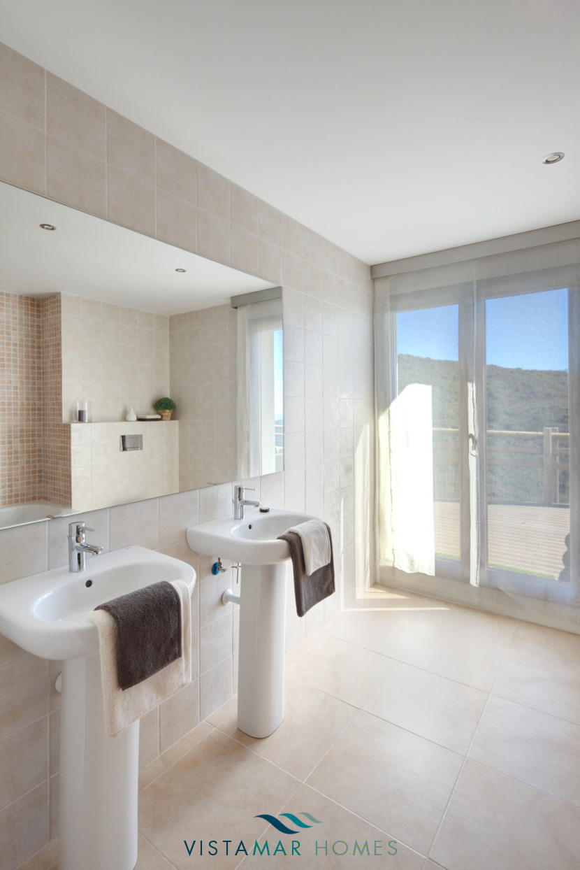 Large and Modern Bathroom · VMV010 Exclusive Residential Homes in Benahavis
