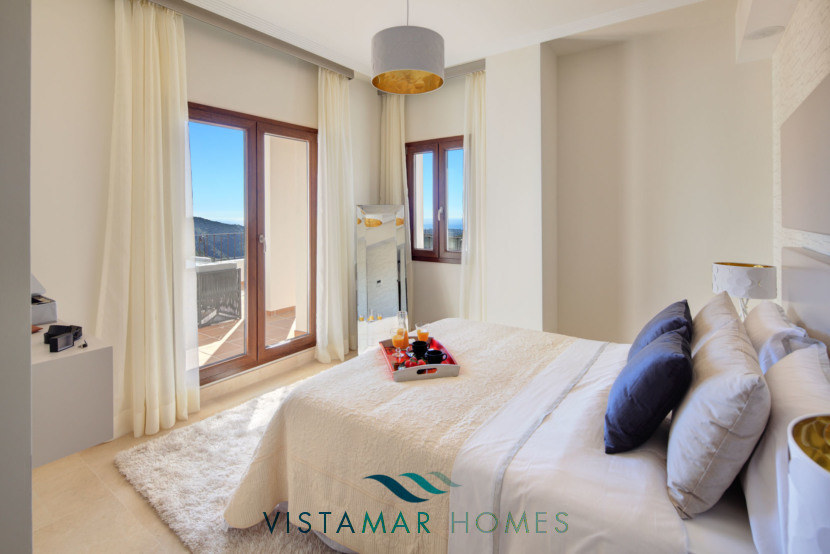 Bedrooms with Incredible Sea and Mountain Views · VMV010 Exclusive Residential Homes in Benahavis