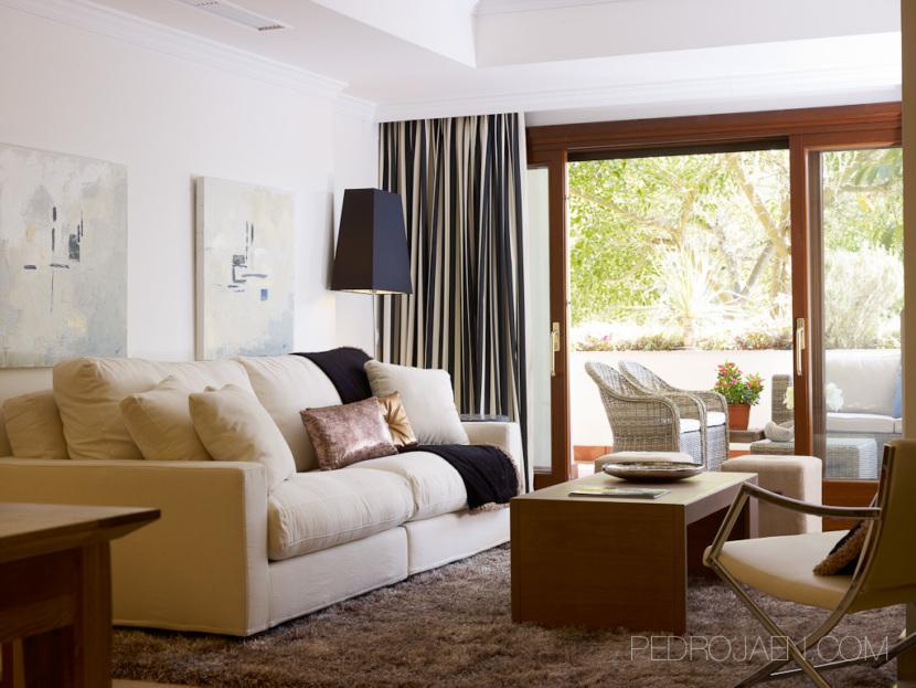 living room of apartment for sale Lomas de Marbella