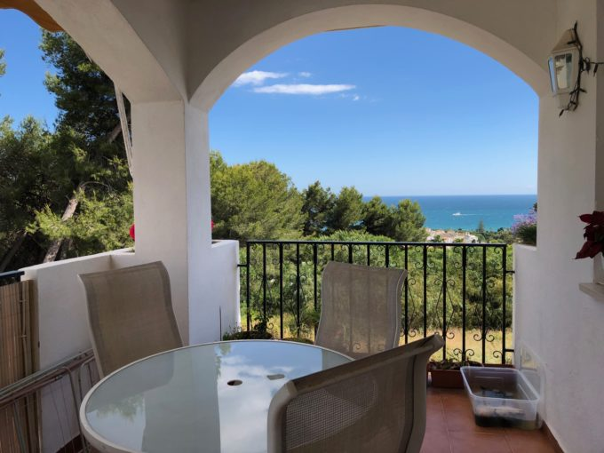 Lovely apartment with open sea views in Nagueles