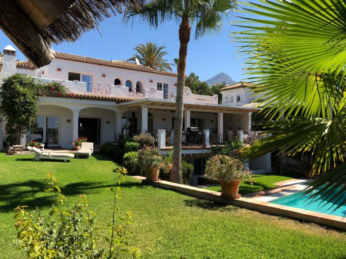 Beautiful 5 bedroom Villa in Nueva Andalucia