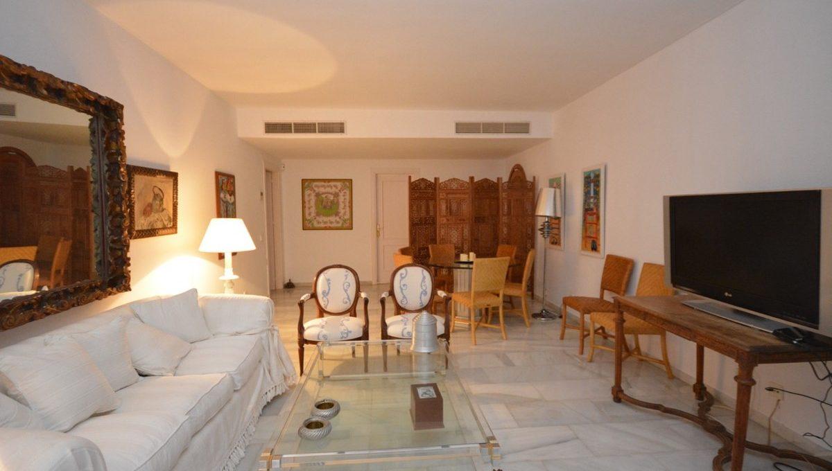 beautiful-2-bedroom-apartment-close-to-the-golden-mile-1-7980e48d732b6fc85c14b43b94d2aa54