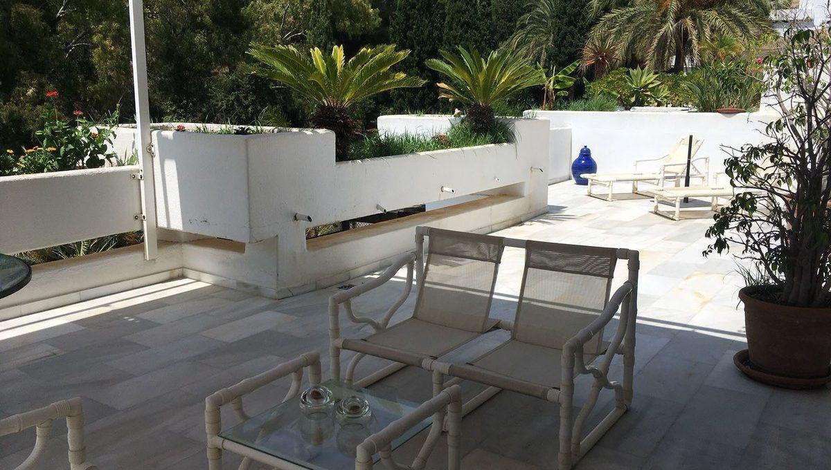 beautiful-2-bedroom-apartment-close-to-the-golden-mile-13-5fd73dea700db77384c091ca9818b1a9