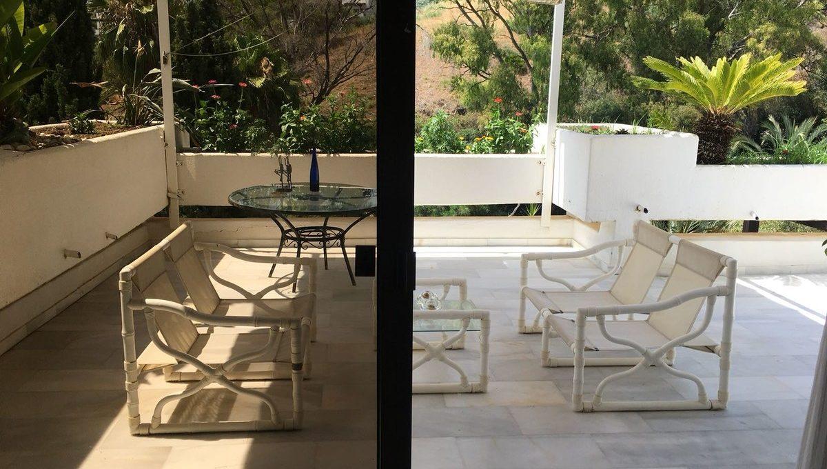 beautiful-2-bedroom-apartment-close-to-the-golden-mile-17-dd5fcd4f0eb487dfa3803f7e20814c0e