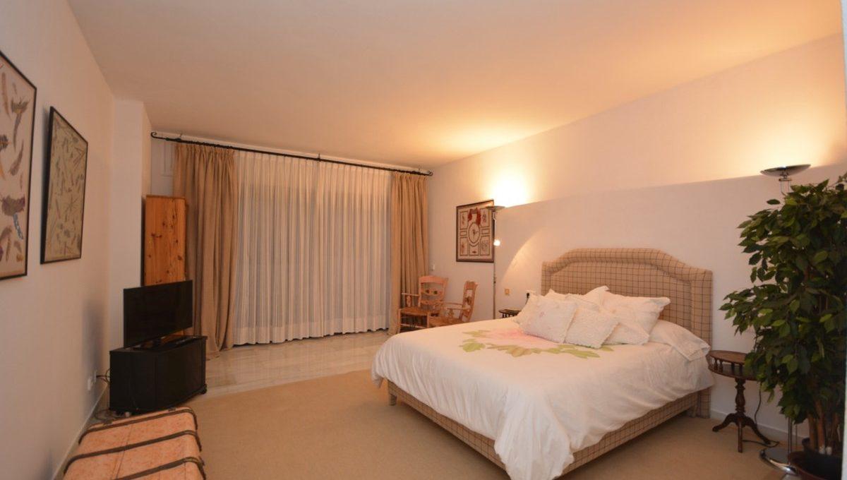 beautiful-2-bedroom-apartment-close-to-the-golden-mile-2-5bd7b9d04b45e33852eaf0ec6670150d