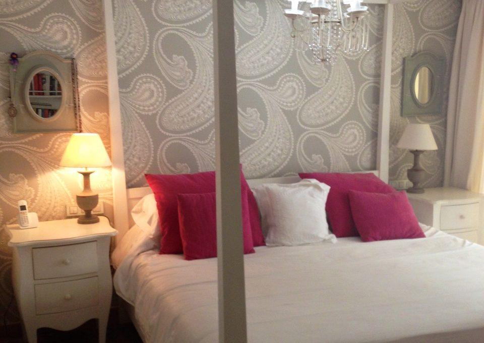 beautiful-beachside-apartment-in-bahia-de-marbella-img_3561
