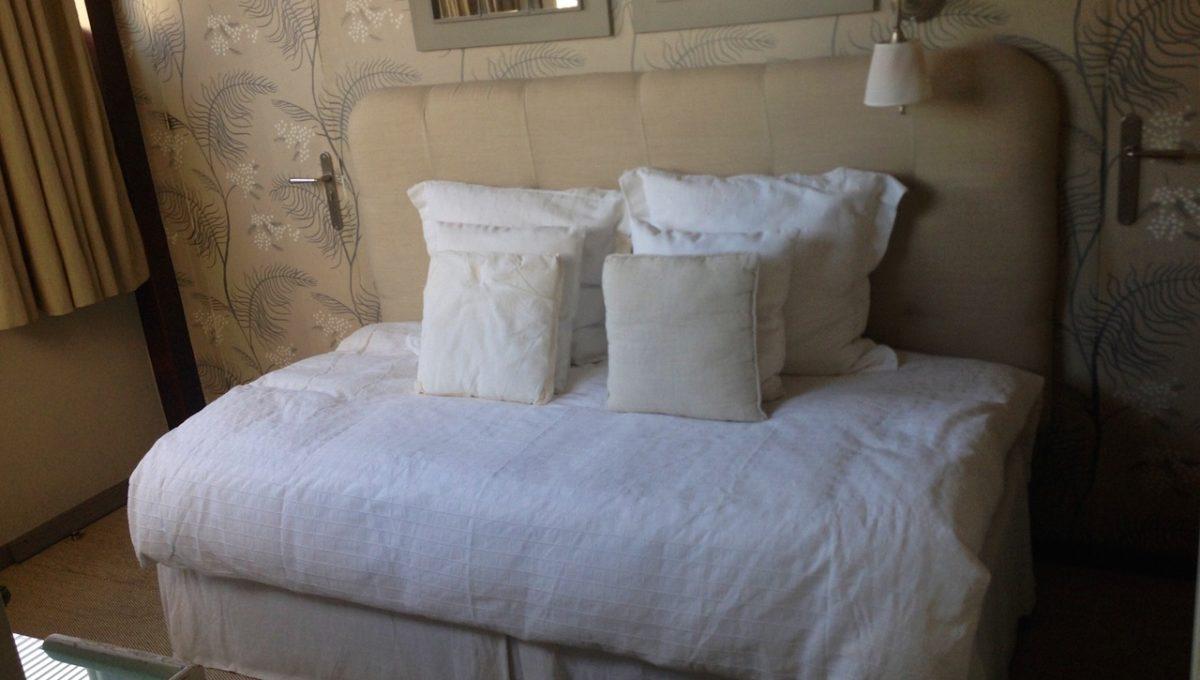 beautiful-beachside-apartment-in-bahia-de-marbella-img_3564