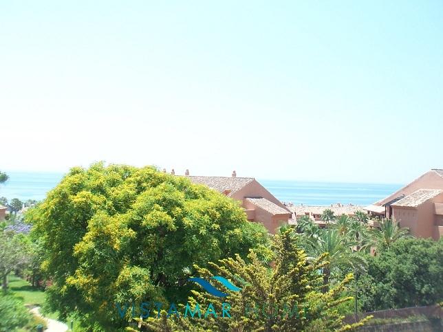 beautiful-beachside-apartment-in-bahia-de-marbella-img_3867