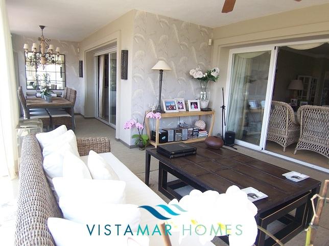 beautiful-beachside-apartment-in-bahia-de-marbella-img_3871