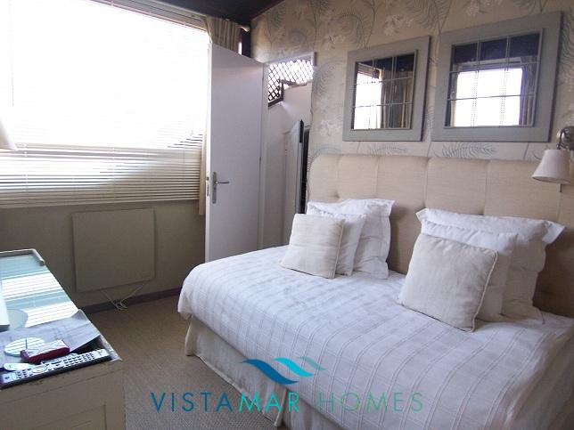 beautiful-beachside-apartment-in-bahia-de-marbella-img_3876