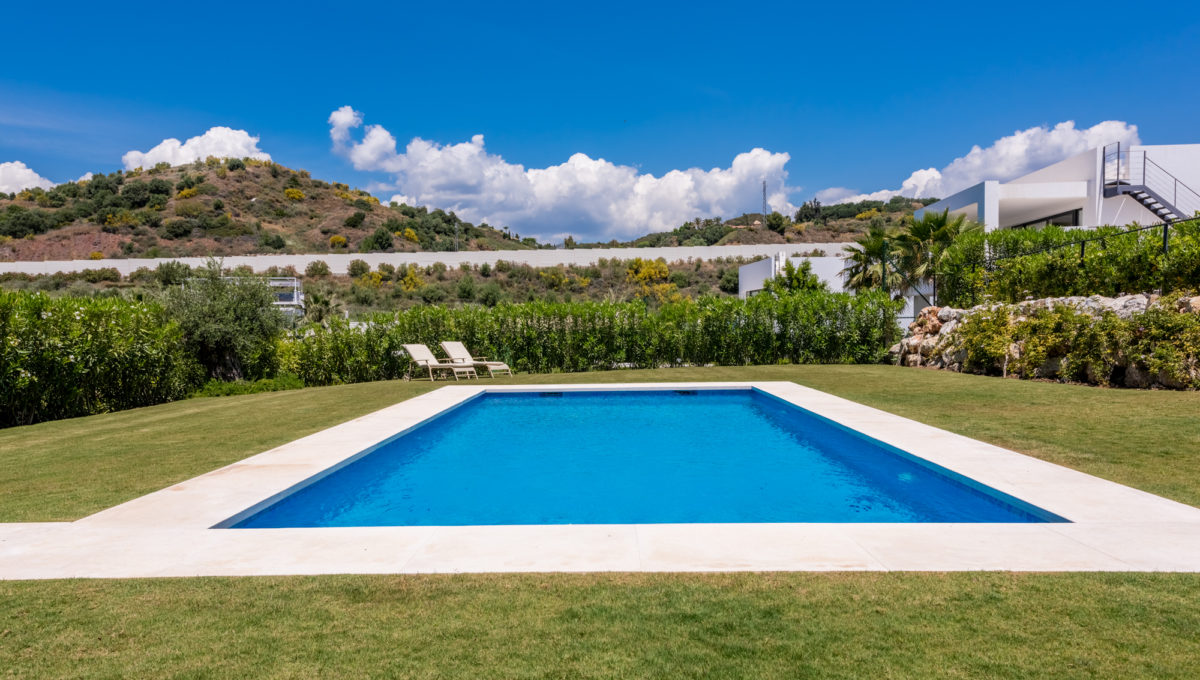 marbella-nueva-andalucia-los-olivos-extraordinary-villa-for-sale-10