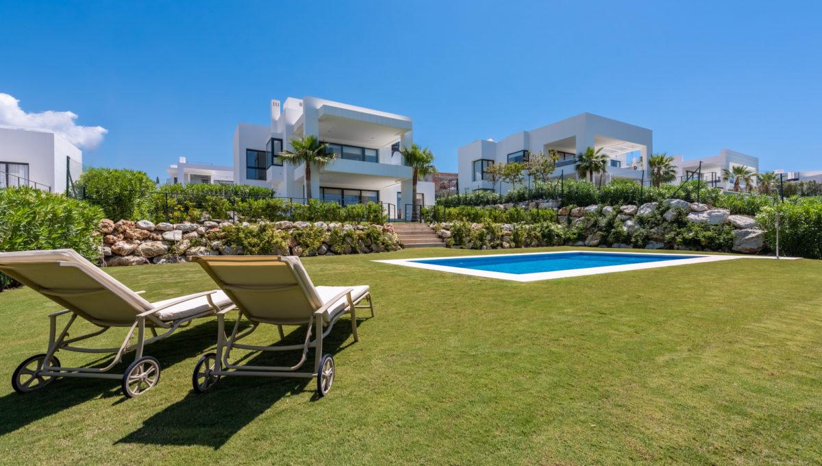 marbella-nueva-andalucia-los-olivos-extraordinary-villa-for-sale-11