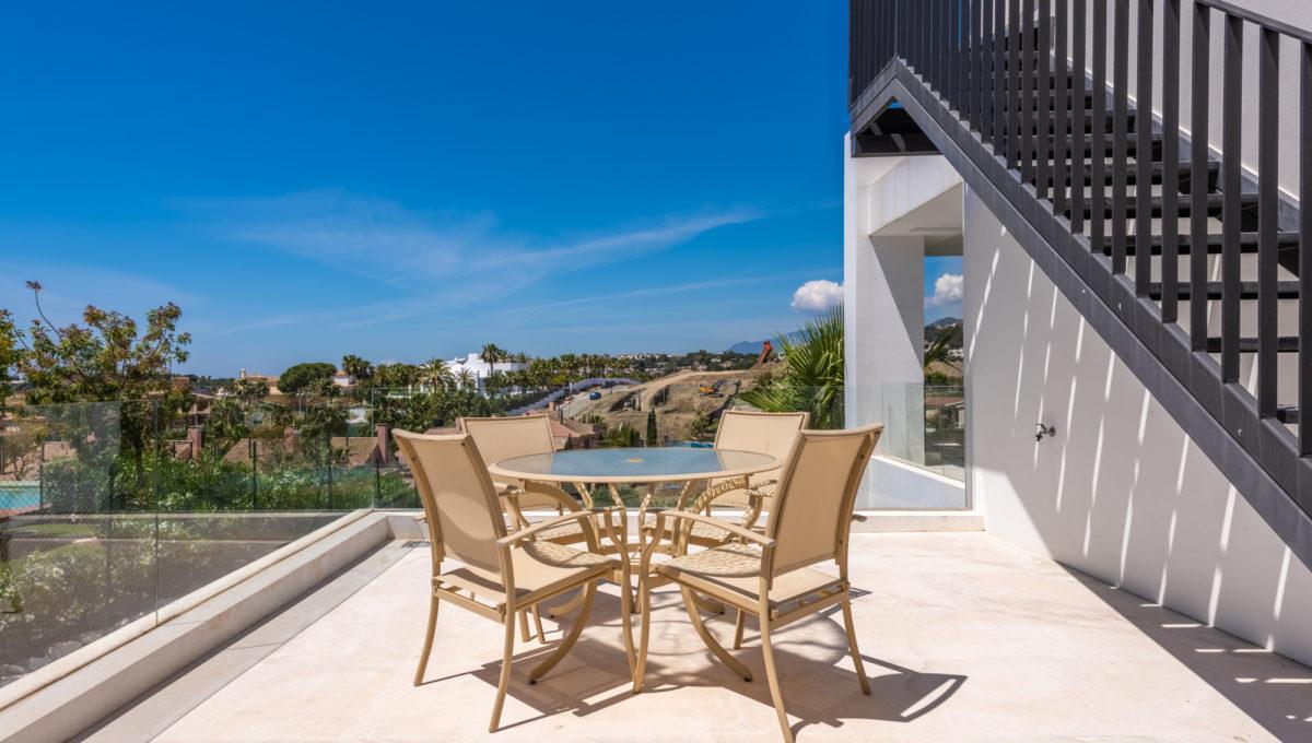 marbella-nueva-andalucia-los-olivos-extraordinary-villa-for-sale-14