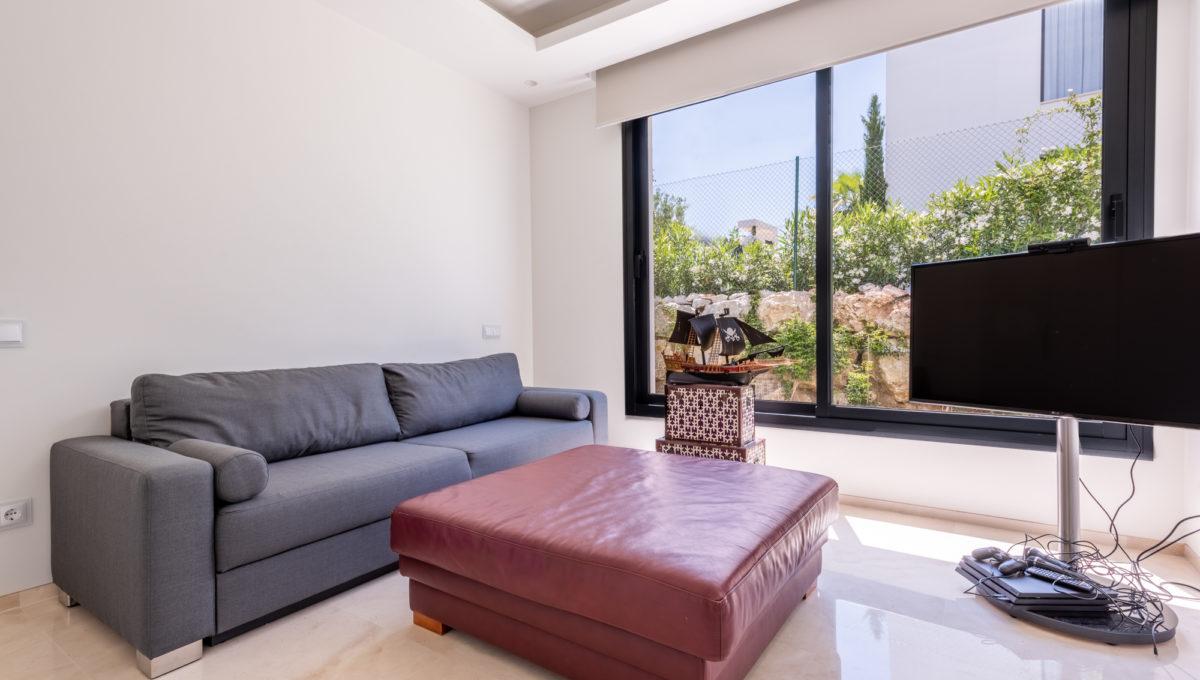 marbella-nueva-andalucia-los-olivos-extraordinary-villa-for-sale-26